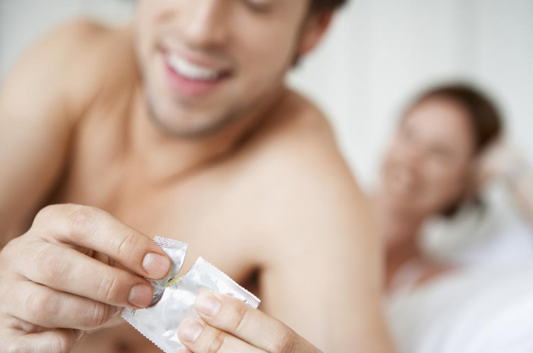 Защищают ли презервативы